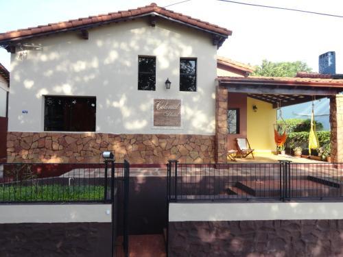 Colonial Hostel & Camping, Encarnación