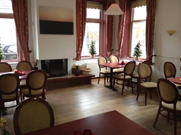 Hotel het Gemeentehuis Uithuizen, Eemsmond