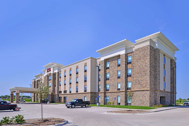 Hampton Inn & Suites Altoona, IA, Hami