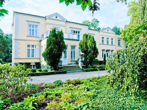 Gutshaus Landsdorf, Vorpommern-Rügen