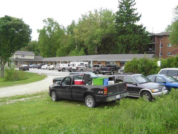 Hillside Motel, Bruce