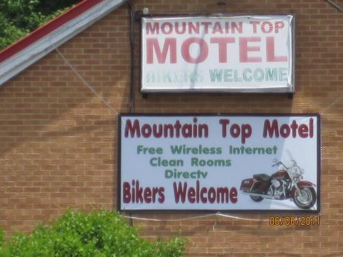 Mountain Top Motel, Carroll
