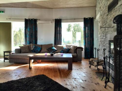 Ninavarava Holiday House, Lümanda