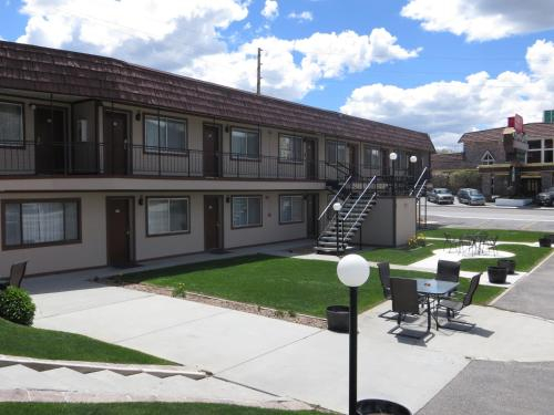 Bristlecone Motel, White Pine