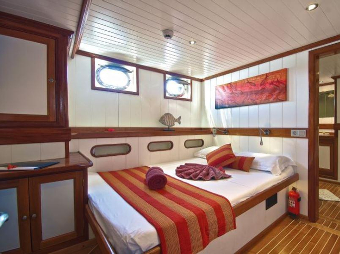 Galatea Diving Cruise,