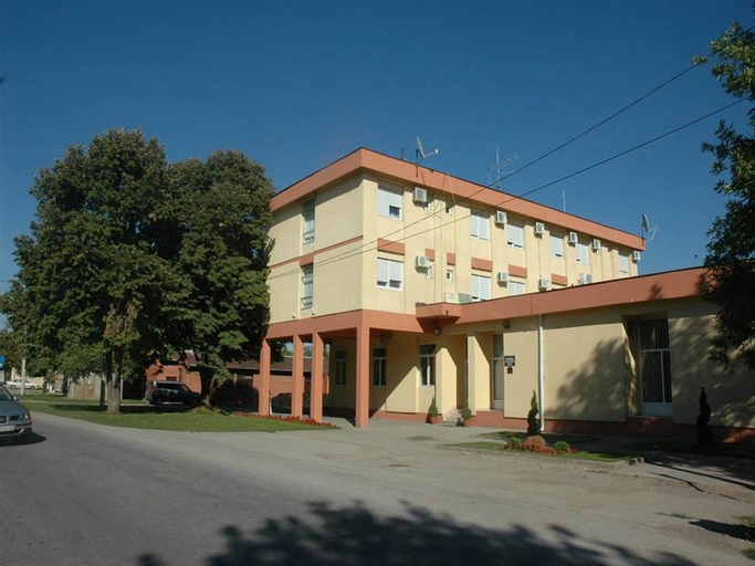 Stari Banat Hotel, Opovo