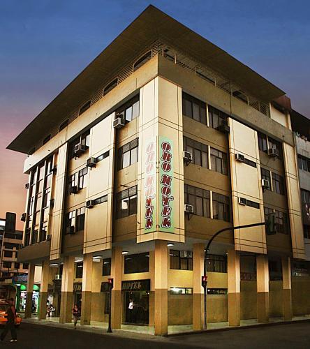 Oro Hotel, Machala