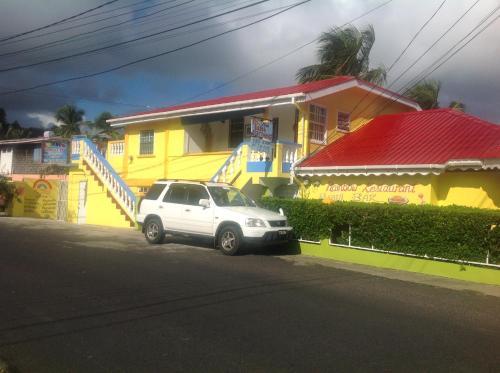 Rainbow Beach Apartments & Rooms,