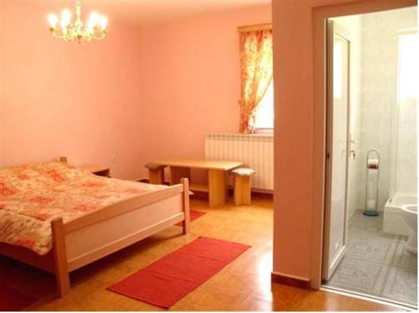 Hostel Kalonis,