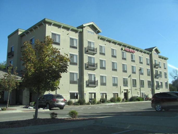 Parkwood Inn & Suites, Riley