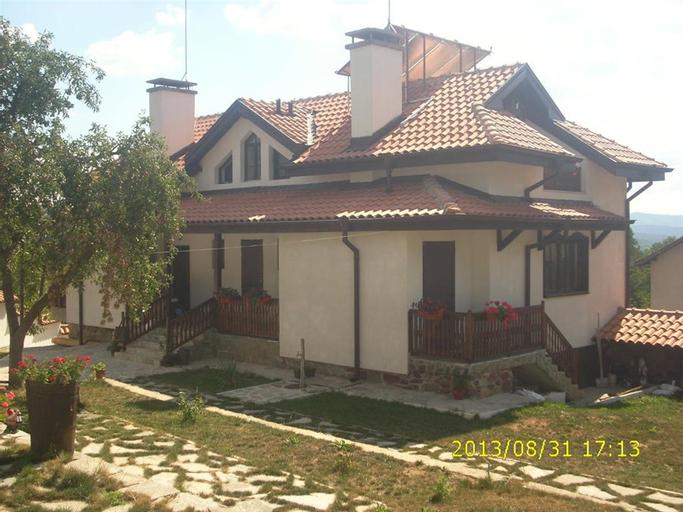 Zelenigrad Guest House, Tran