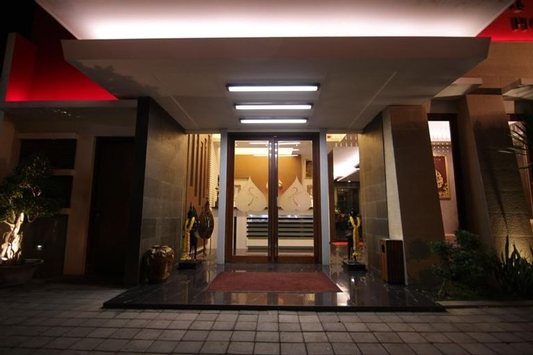 Savali Hotel, Padang