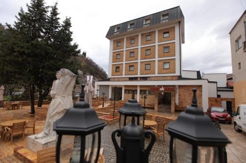 Hotel Kratis,