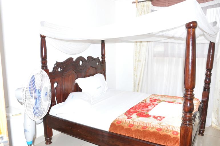 Deira Hotel Ltd, Mukono