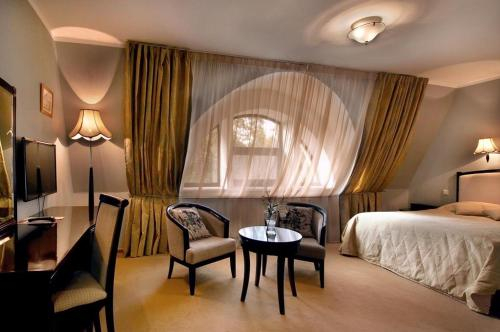 Greenway Park Hotel, Borovskiy rayon