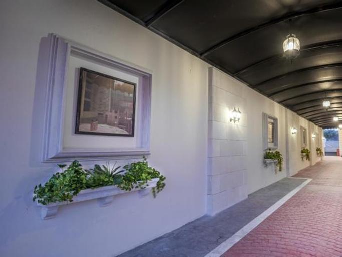 Mira Trio Hotel,
