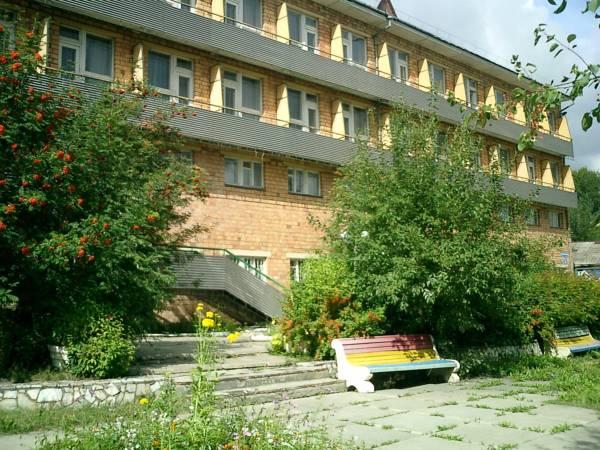 Hotel Tri Medvedya, Berezovskiy rayon
