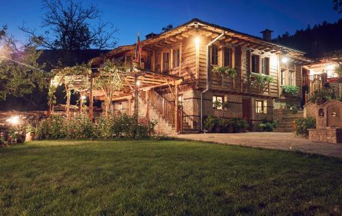 Yovina House Zheravna, Kotel