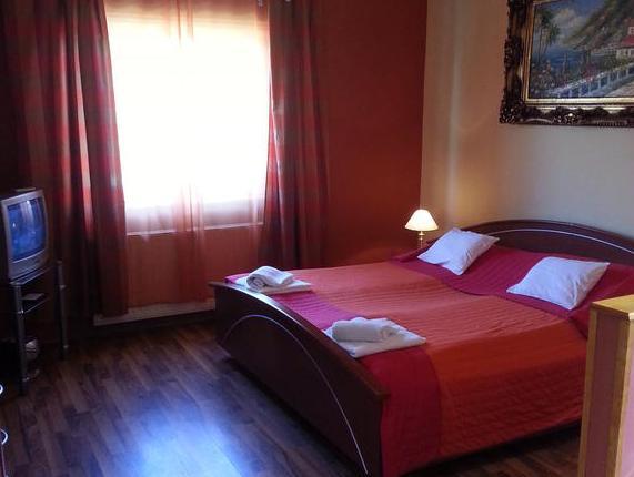 Borostyán Apartmanház, Mórahalm