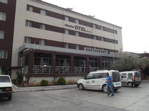 Abaylar Hotel, Merkez