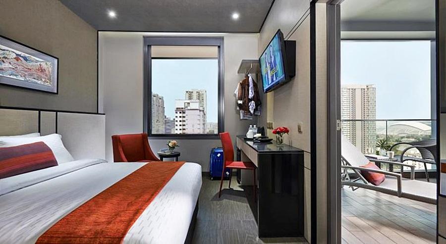 Hotel Boss, Rochor