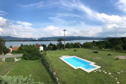 Country Club Danube, Golubac