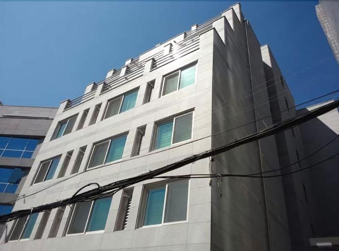 Stay Gangnam, Seongdong