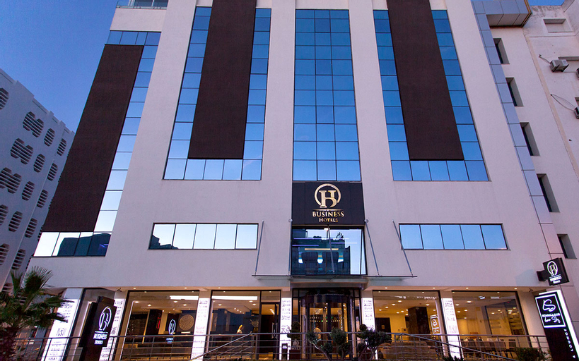 Business Hotel, Bab Bhar