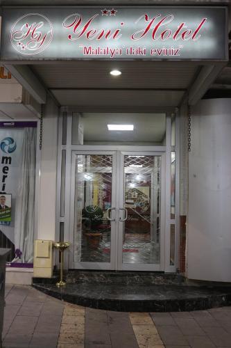 Yeni Hotel, Merkez