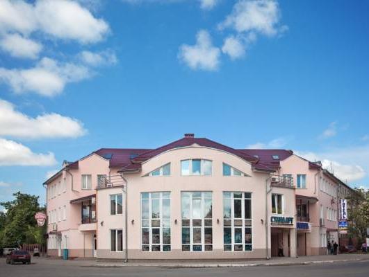 Hotel Gostynniy Dvir, Borshchivs'kyi