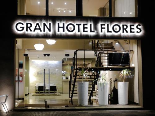 Gran Hotel Flores, n.a102