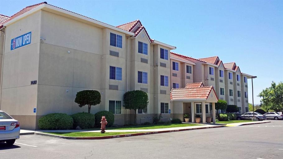 Motel 6 Dixon, Solano