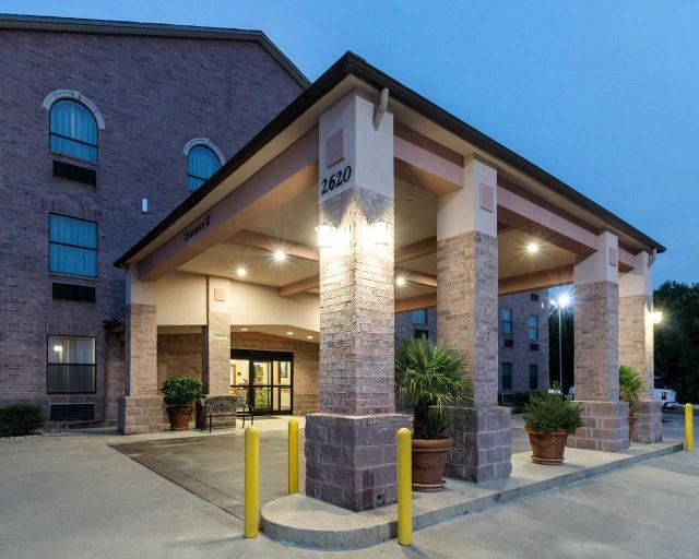 Quality Inn Buffalo, Leon
