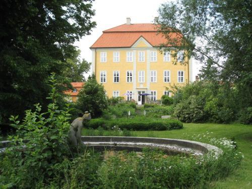 Jagdschloss Quitzin, Vorpommern-Rügen