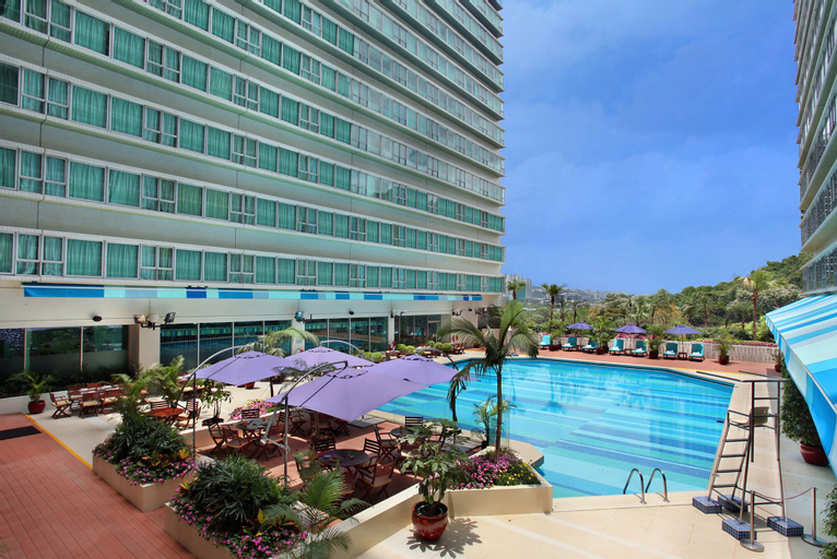Regal Riverside Hotel, Sha Tin