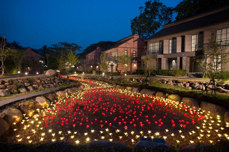 Flora Creek, Hang Dong