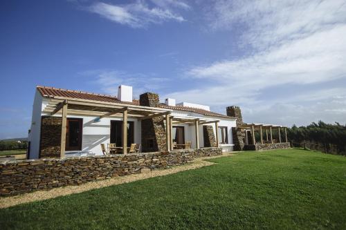 Casas Buganvilia, Sines