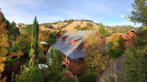 Eden Vale Inn, El Dorado