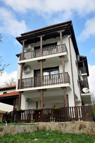 Family Hotel and Restaurant Plamena, Troyan