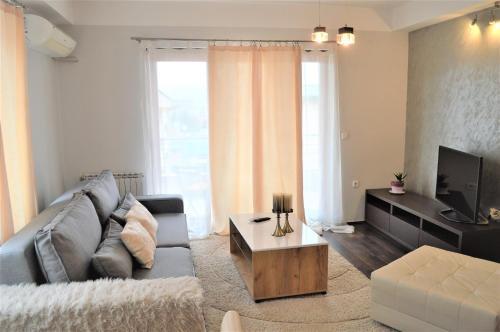 Antigona Apartments,