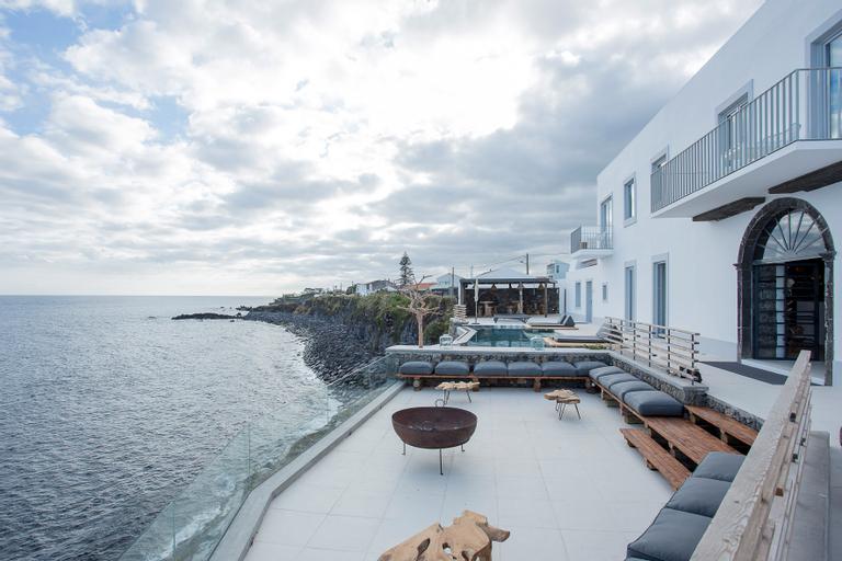 White Exclusive Suite & Villas, Lagoa