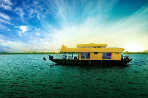 Sreekrishna Houseboat C/o Sreekrishna ayurveda Panchakarma Centre, Alappuzha