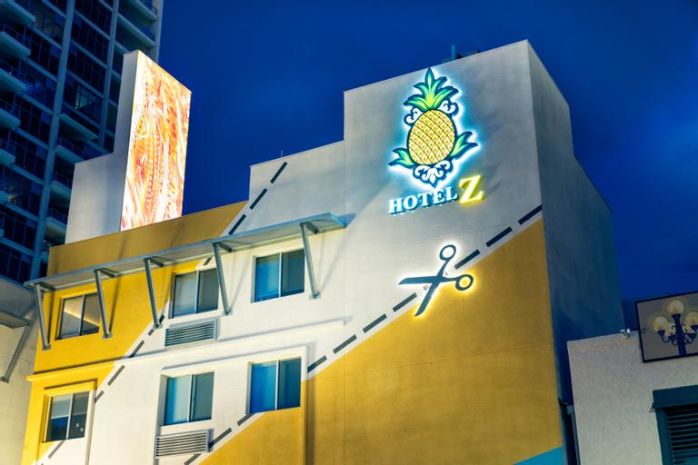 Staypineapple at Hotel Z, San Diego
