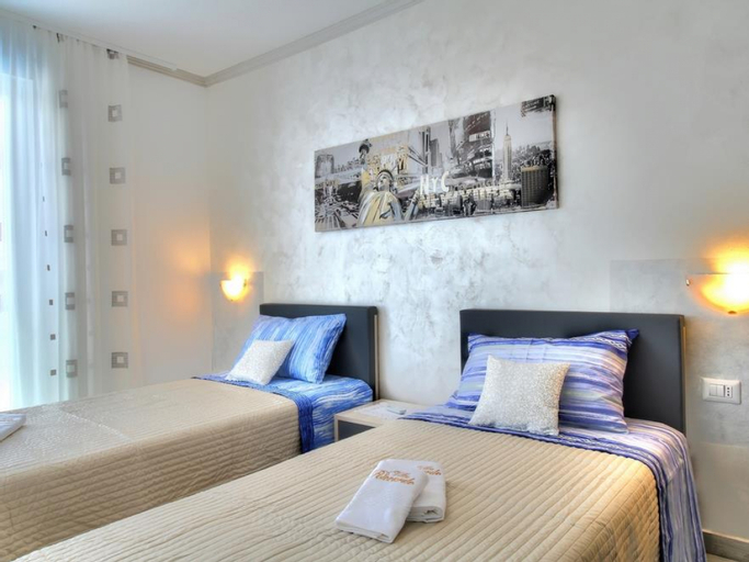 Apartments Villa Riccardo - Two Bedroom No.3, Umag