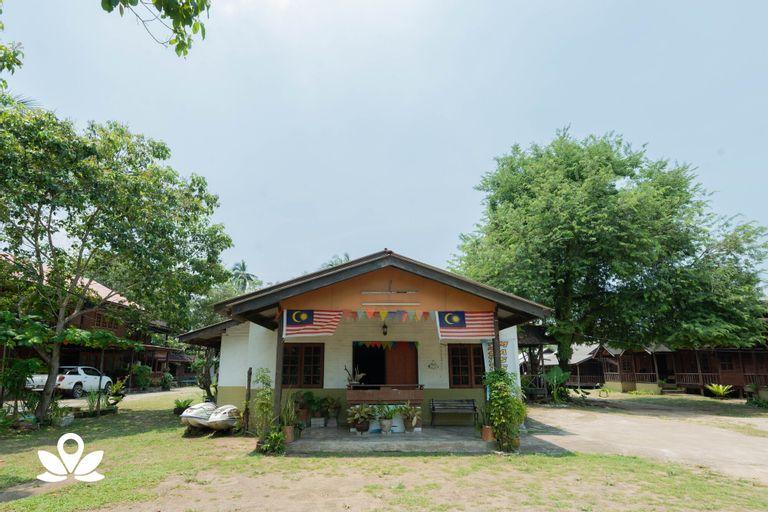 ZEN Rooms Pelangi Beach Resort, Kuantan