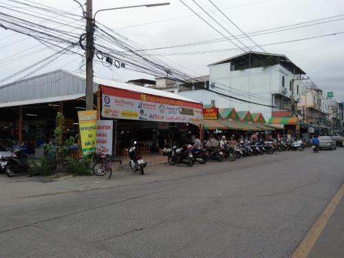 Tisaraporn Resident, Lam Luk Ka