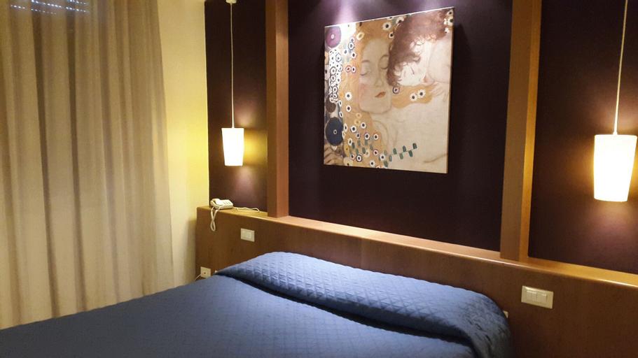 Hotel Cavalieri del Tau, Lucca