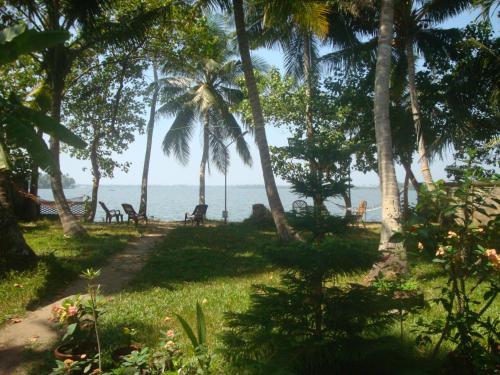 West Wind Homez - Home Stay, Ernakulam