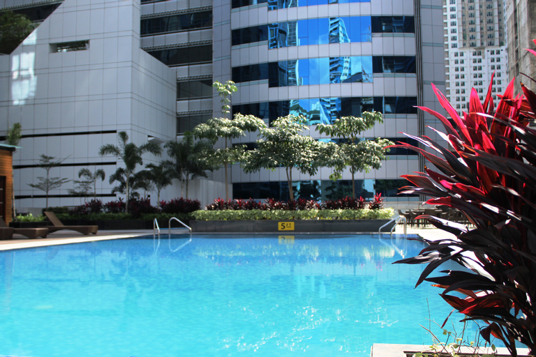 C Suites at Two Central Residences, Laguna lake
