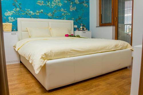 Aura Corner Apartments,